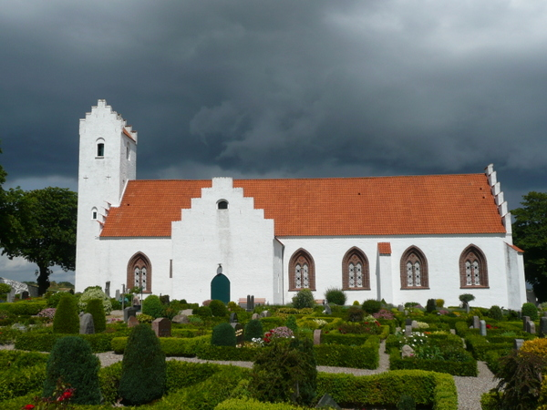 2-Eckard Marczak - 3 Mørke skyer over Nordby Kirke