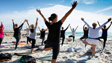 Ballen Havn_Yoga_Fotograf_Jeanette_Philipsen_Pressefoto_VisitSamsø