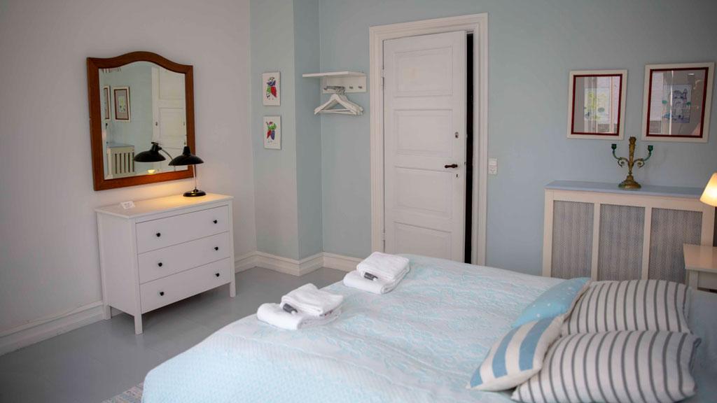 Det_lille_sommerhotel_værelse4