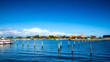 Langør Samsø byen set fra den yderste bro