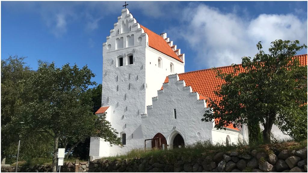 Onsbjerg_kirke_1